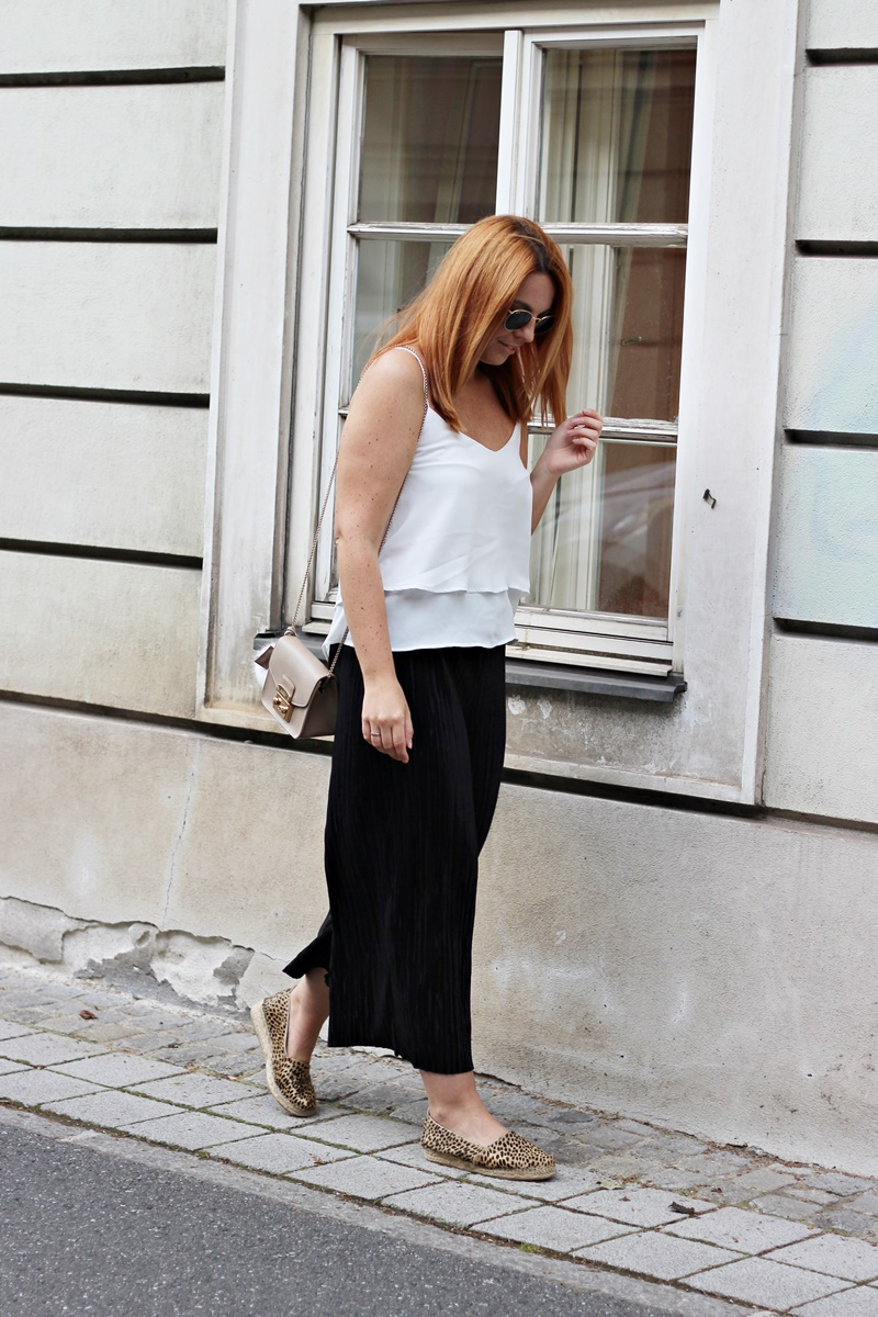 Plissee Culottes Outfit 10