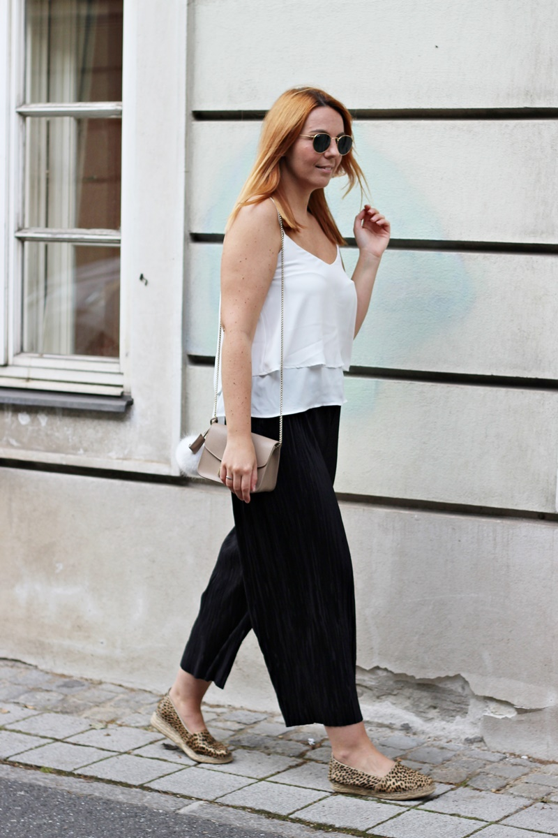 Plissee Culottes Outfit 11