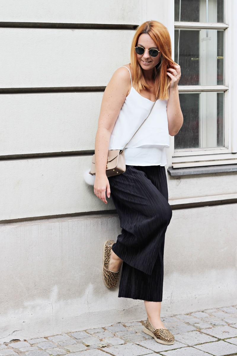 Plissee Culottes Outfit 2