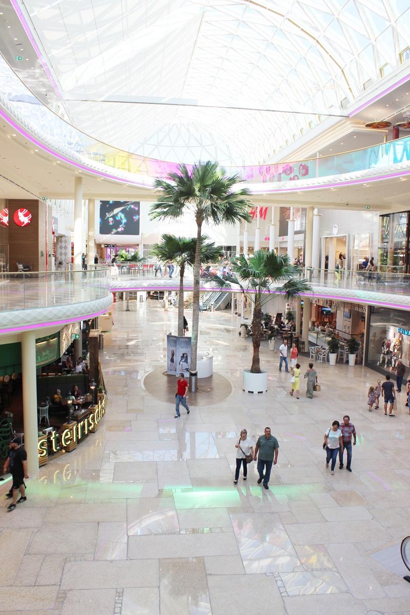 first-class-shopping-plus-city-pasching-17