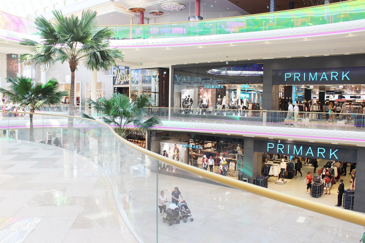 first-class-shopping-plus-city-pasching-18