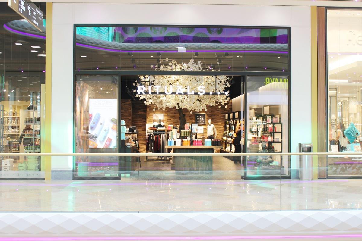 first-class-shopping-plus-city-pasching-19