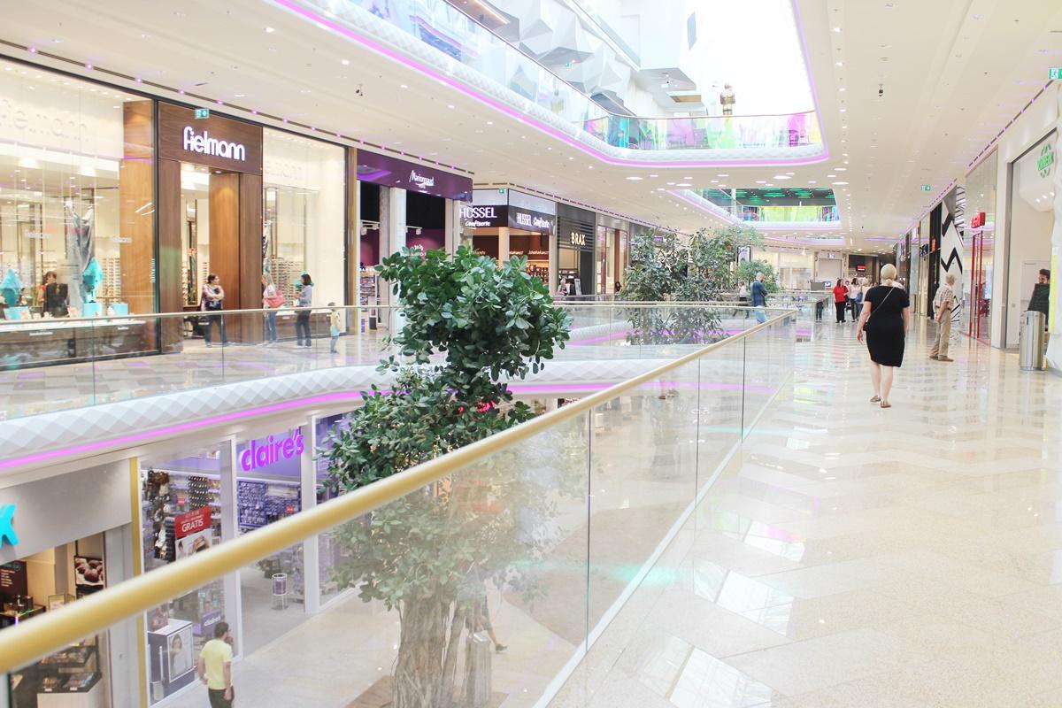 first-class-shopping-plus-city-pasching-20