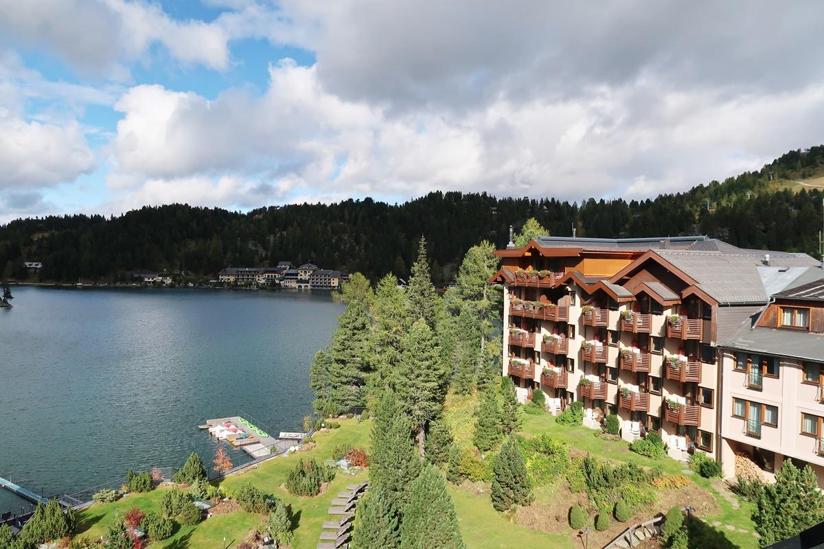 hotel-review-hotel-hochschober-turracher-hoehe-aussicht-balkon-suite-2