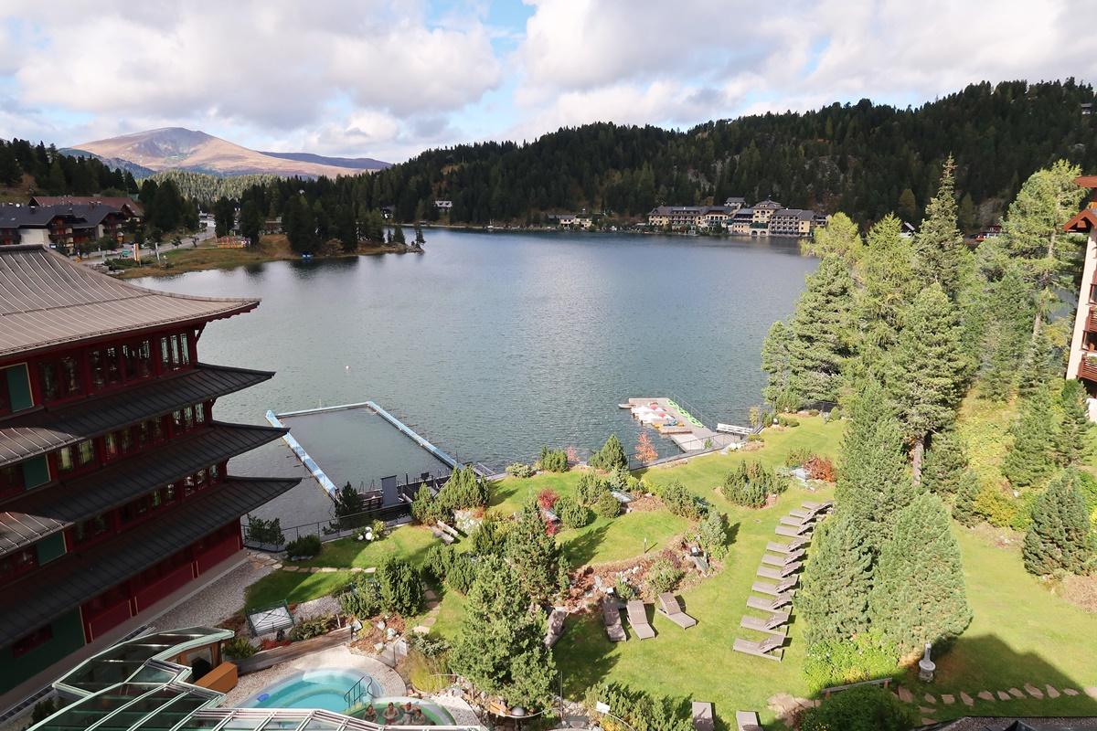 hotel-review-hotel-hochschober-turracher-hoehe-aussicht-balkon-suite
